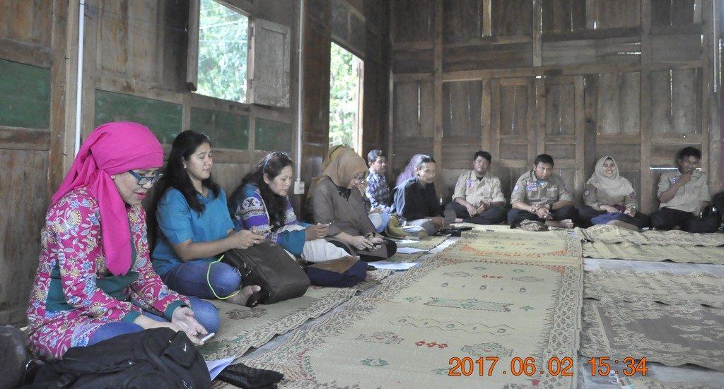 Pakar peksos dan peserta diskusi