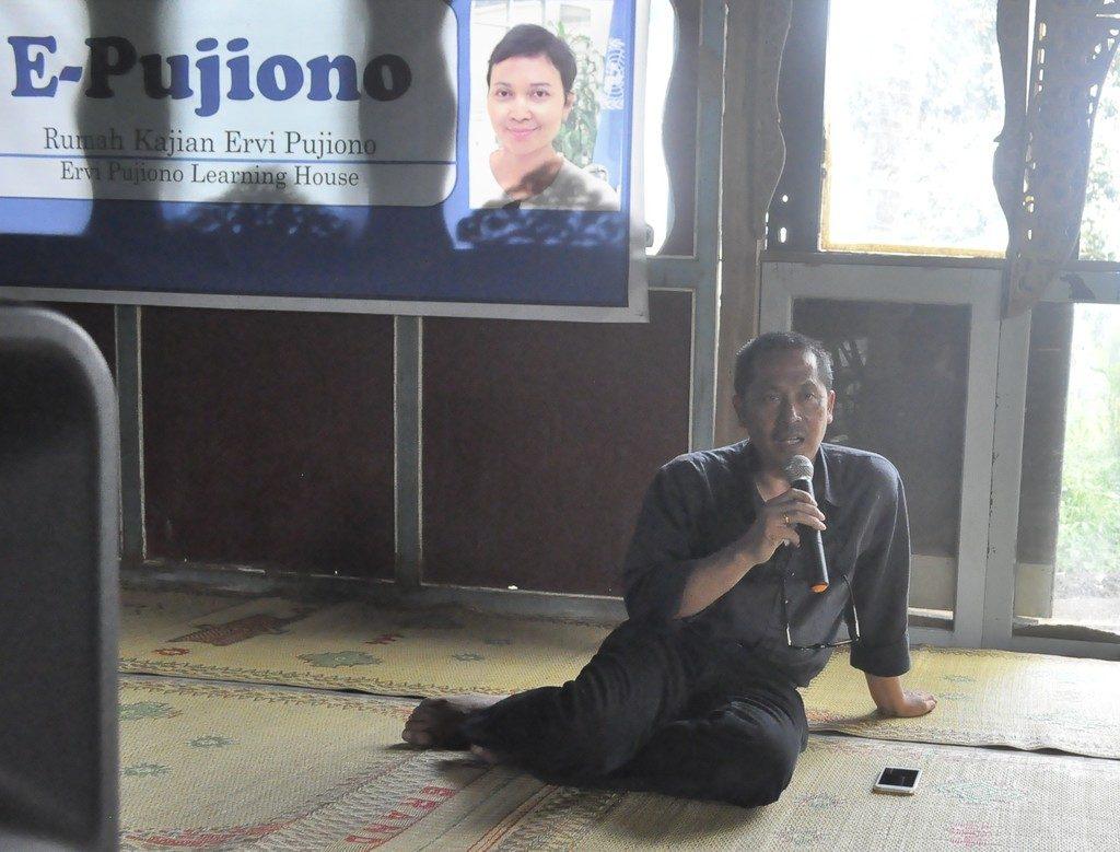Puji Pujiono memaparkan konsep baru ttg pekerjaan sosial penanggulangan bencana secara komprehensif
