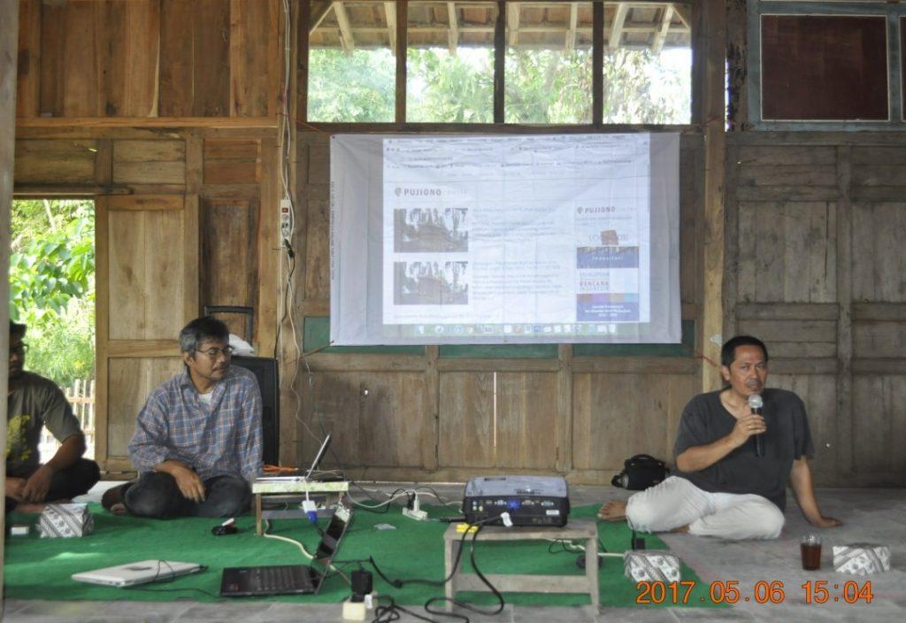 Paparan mengenai Rumah Kajian Ervi Pujiono (Foto: Djuni Pristiyanto)