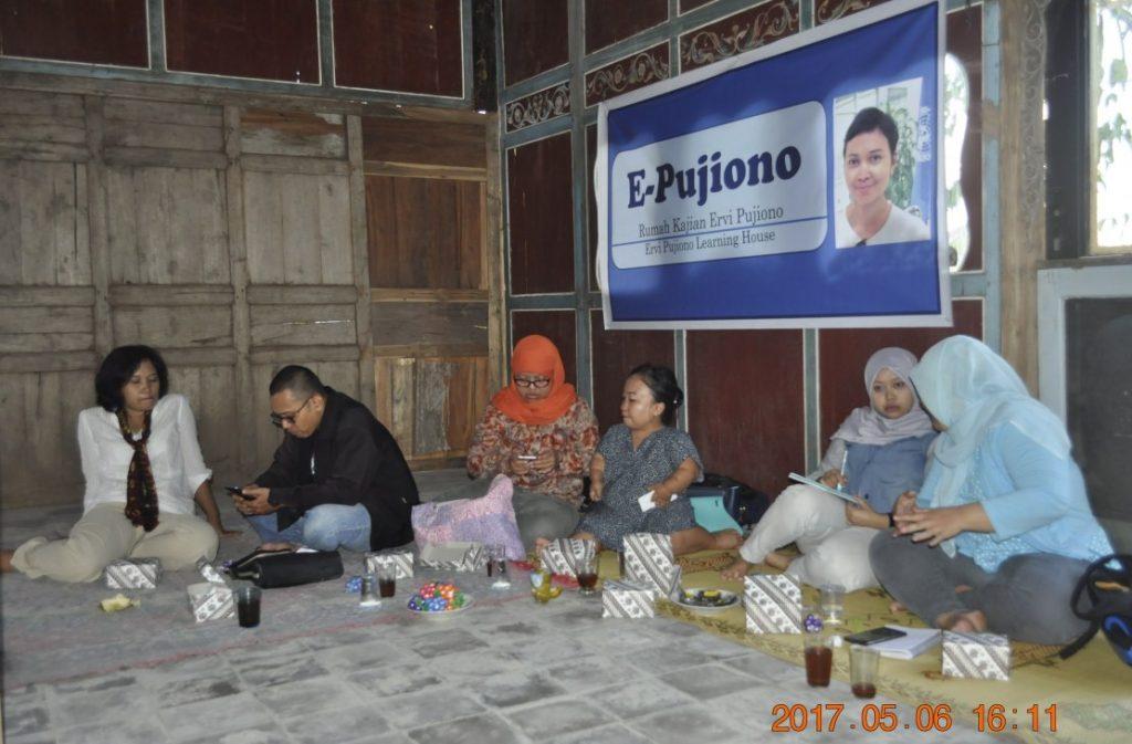 Peluncuran Rumah Kajian Ervi Pujiono (Foto: Djuni Pristiyanto)