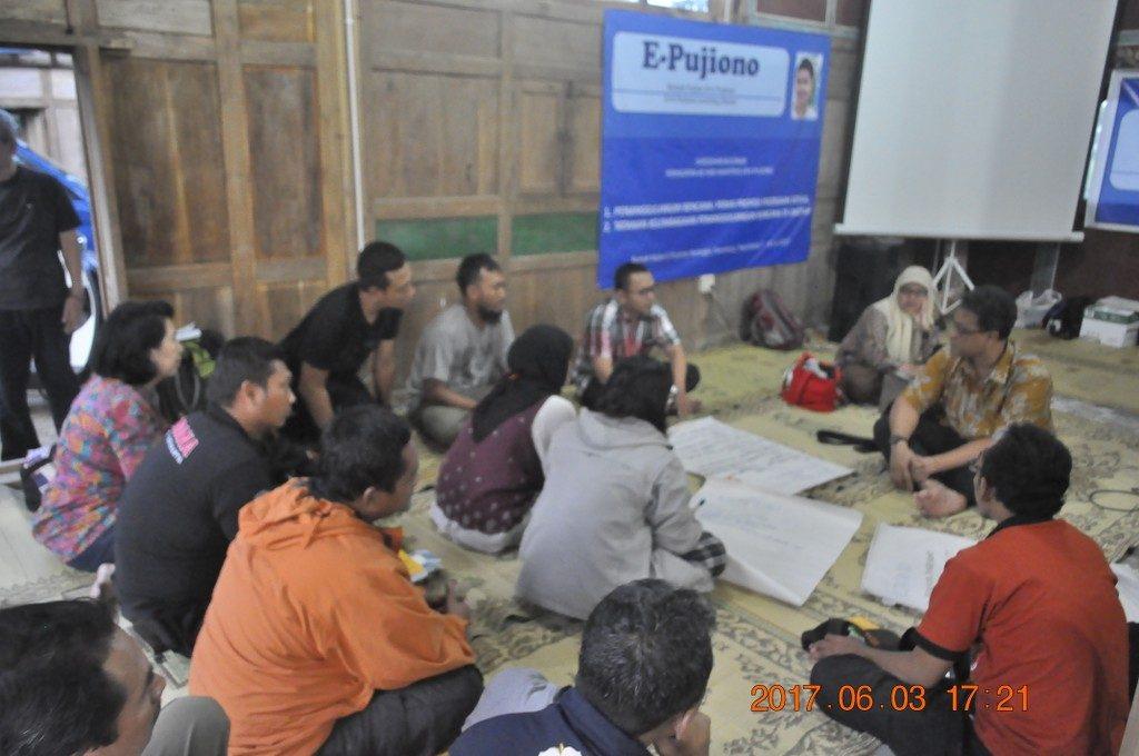 Suasana diskusi kelompok dalam sarasehan kelembagaan PB di Daerah pada 3 Juni 2017.